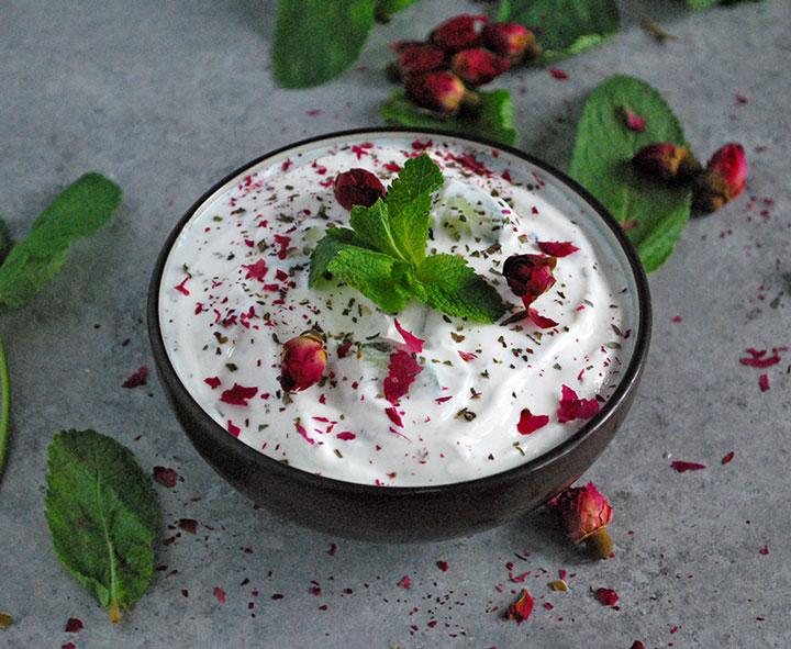 Masto Khiar Persian yogurt and cucumber dish